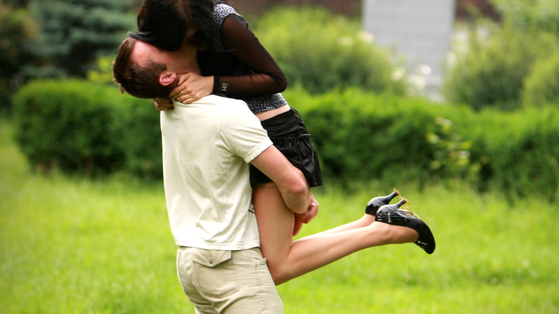 скачать фото влюблённых пар